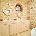 Master bedroom bathroom (ground floor)