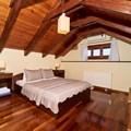 1st floor attic-double bedroom A (east wing)