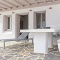 Beachfront Villa - private pool and sea view (9 persons)