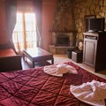 Junior suite with lake view - Velouchi (2 adults, 2 children)