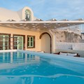Honeymoon Villa with Caldera view (2-5 persons)