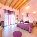 Bedroom 2 purple bed 160 x 200 (1st floor)