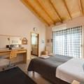 Master bedroom 180 x 200 with ensuite bathroom (1st floor)