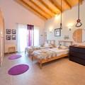 Bedroom 3, two single beds ( 90 x 200) , 1st floor