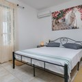 Two-bedroom house (2-5 persons)