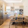 Kitchen (ground floor)