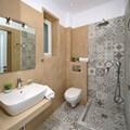 Bathroom with shower (ground floor)