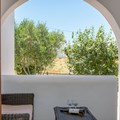 Studio apartment (2 single beds) with garden view