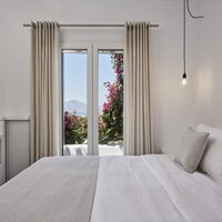 Deluxe Apartment with Sea View (2-4 persons)